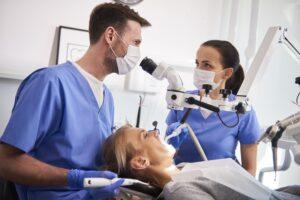 Przebarwienia zębów: co warto wiedzieć?